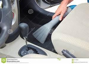 Comment Nettoyer L Intérieur D Une Voiture : nettoyer l 39 aspirateur d tailler int rieur d 39 automobile de voiture photographie stock image ~ Gottalentnigeria.com Avis de Voitures