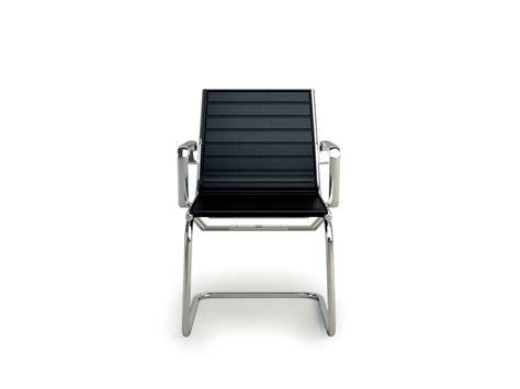 chaise luge chaise light à accoudoirs visiteur pieds luge en cuir