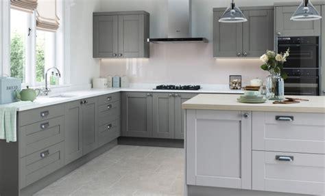 Shaker Kitchen doors   Kensington Lava & Mussel   Uform