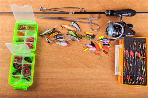 types  fishing lures  review buyers guide