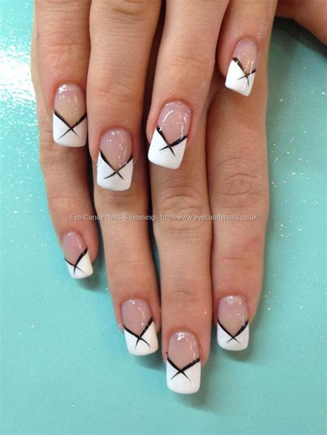 white french tips  black flick nail art nagelschmuck