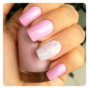 light pink nails with glitter | Light pink & glitter nails ...