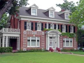 Surprisingly Colonial Style House by Colonial Revival Style House Swiss Avenue House Is In