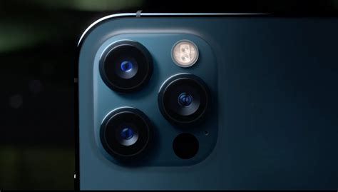 iphone  pro  bigger display camera improvements