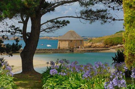 chambre d hotes brehat gîtes et chambre d 39 hôtes sur l 39 île de bréhat