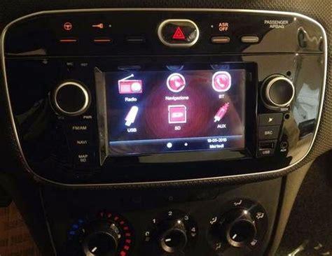 fiat punto  la nuova radio navigatore  schermo lcd