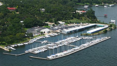 Eagle Mountain Lake Boat Club by Why Live On Fort Worth S Eagle Mountain Lake