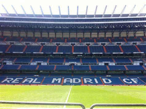 Real Madrid Football Stadium | Real madrid football ...