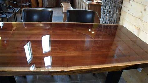 vernis table cuisine table bois resine epoxy wraste com
