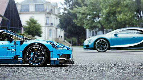 2019 bugatti chiron lego manor car seen from outside and inside. LEGO Makes a Stunning Bugatti Chiron Shine Next to the Real Car - autoevolution