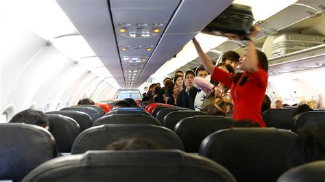 dialah sebab   hidup penumpang pesawat airbus  buka mulut isu juruterbang
