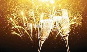Image Champagne Anniversaire : champagne et feu dartifice pour le nouvel an clipart vectoriel thinkstock ~ Medecine-chirurgie-esthetiques.com Avis de Voitures