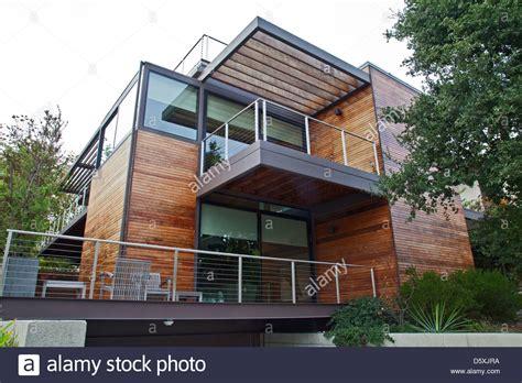multi level prefab modular green home   company livinghomes stock photo alamy