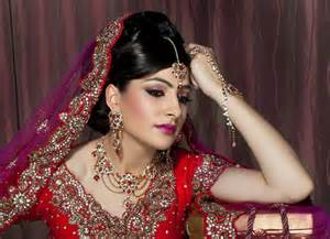 wedding makeup artist questions to ask your bridal makeup artist india 39 s wedding exploring indian wedding trends