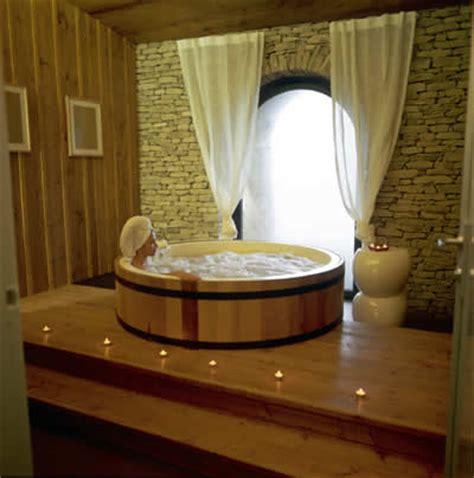 wine barrel tub wine barrel bathtubs wine design