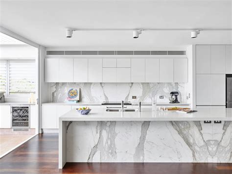 30 Gorgeous Grey And White Kitchens That Get Their Mix Right :  30 Gorgeous Grey And White Kitchens That