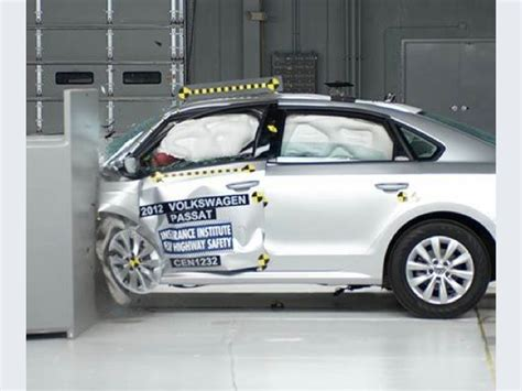 si鑒e auto crash test quattro berline accettabili ai crash test small overlap iihs sicurauto it