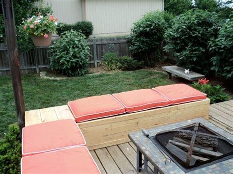 Salon de jardin palette bois fabrication avantages entretien