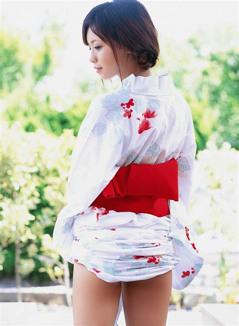 Reimi Tachibana in white kimono01   japanese girls 2011