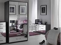mirrored bedroom furniture Bedroom Ideas. White Polished Wood Mirrored Bedroom ...
