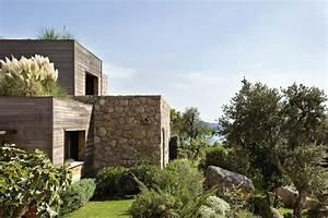 maison contemporaine en bois en corse pierre bois et en With maison bois et pierre