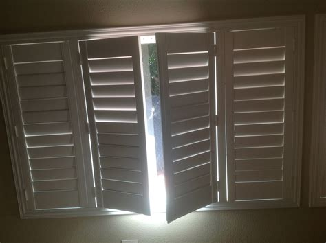 wood shutters villa blind  shutter