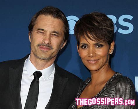 la halle si鑒e social halle berry con il marito alla premiere di quot extant quot gossip