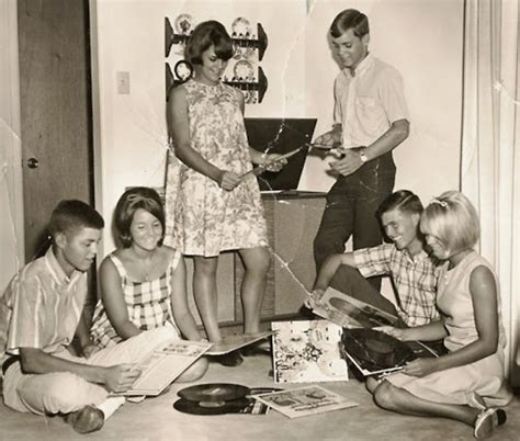 perry como early life these 9 photos of a record party will make you wish you