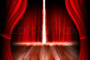 Spotlight Curtains by Red Theaterb 252 Hne Mit Offenem Vorhang Stock Foto Colourbox