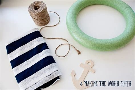 Cute Kitchen Decorating Ideas - nautical decor how to make this navy and white wreath