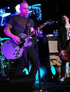 Chris Daughtry Picture 39 - DAUGHTRY Perform Live at Citi ...