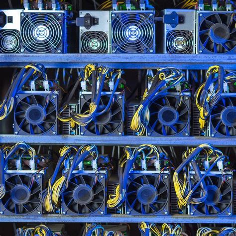 Miners have become very sophisticated over the last several years using complex machinery to speed up mining. A new bitcoin mining rig called the Dragonmint is joining the bitcoin mining environment in 2018 ...