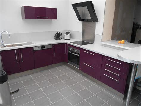 cuisine aubergine photo 1 3 cuisine équipée de couleur