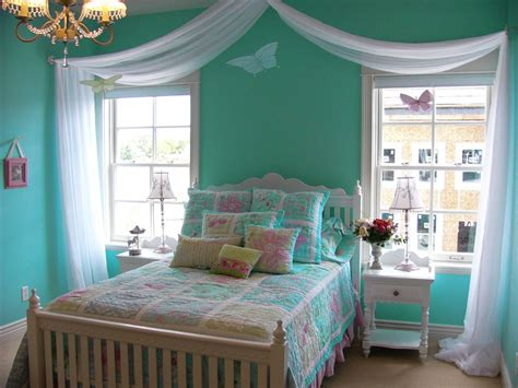 Beautiful Girls Room Designs In Turquoise Color