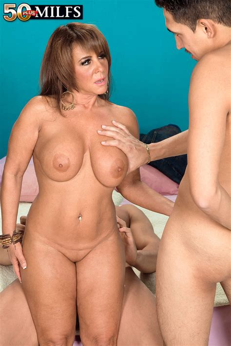 Milf Cassidy Exe Enjoys A Hot MMF Threesome Of