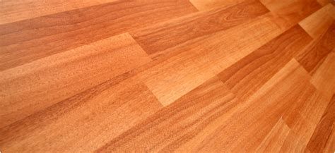 pros and cons of laminate flooring versus hardwood cheap