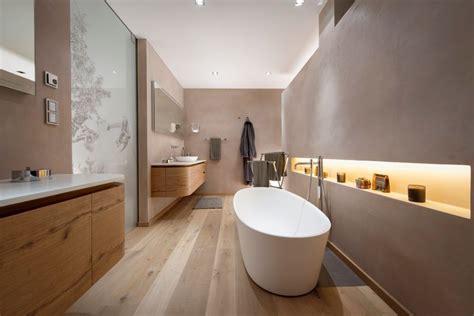 Freistehende Badewanne Die Moderne Badeinrichtungminimalistische Freistehende Badewanne by Modernes Badezimmer Mit Freistehender Badewanne In Einem
