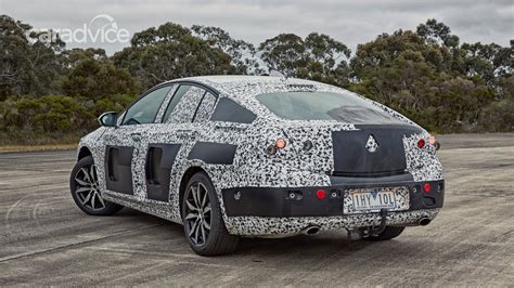holden commodore details released  cylinder