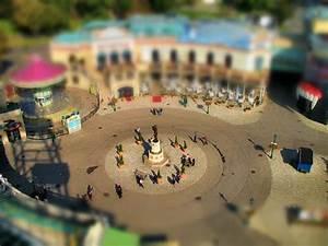 Toy World  Creating The Tilt
