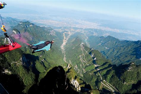 thrilling deadly world  wingsuit flying