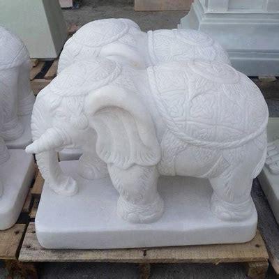 ช้างทรงเครื่อง แกะสลักหินอ่อน