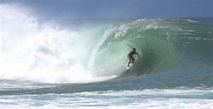 BIGGEST! KILLER! Huge South Swell 2011 ハワイ サーフィン Ala Moana ...