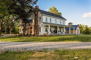 A Modern Farmhouse For Sale in Indiana