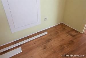 Comment poser des plinthes travailler le bois for Placer parquet flottant