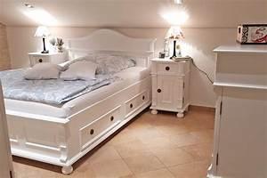 Schlafzimmer Weiße Möbel : das wei e schlafzimmer massiv aus holz ~ Markanthonyermac.com Haus und Dekorationen