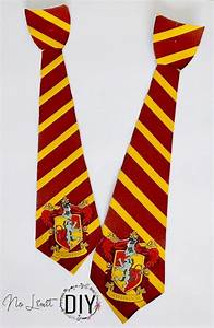 Les 25 Meilleures Idees De La Categorie Cravate Harry Potter Sur Pinterest