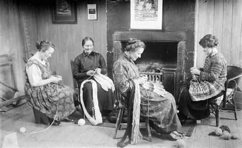 images  vintage images  people knitting