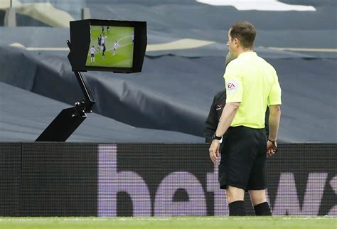Spurs held after VAR awards Newcastle late penalty