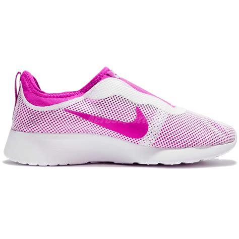 nike slipon pink wmns nike tanjun slip on pink casual shoes