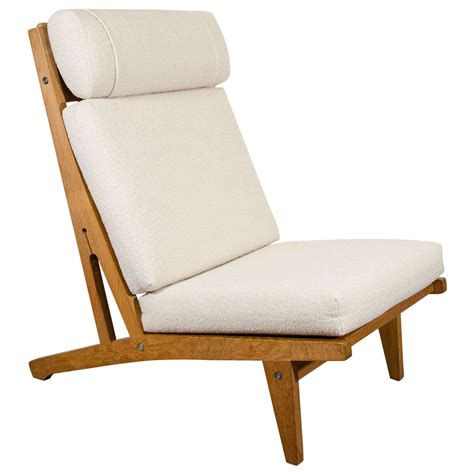 a mid century hans wegner lounge chair by getama at 1stdibs